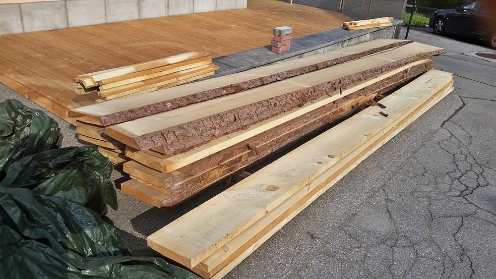 Massivholz für die erstellung von Tischen und Bänken