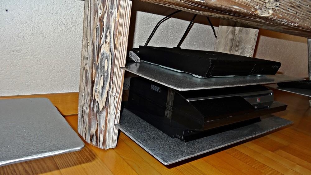 Tablare für TV-Geräteschaften
