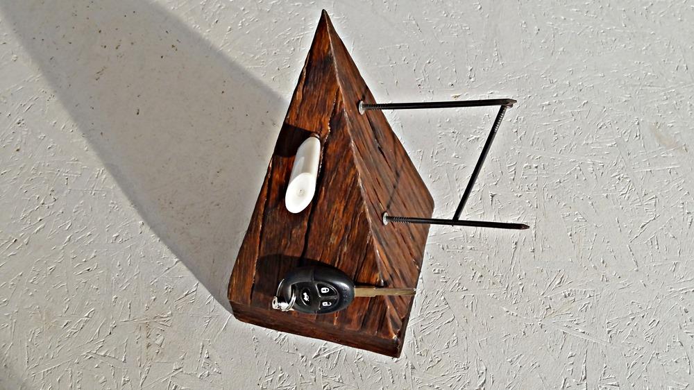 Mountain Magneto. Der Alleshalter, ob Feuerzeug, Schlüssel, Büroklammern etc. ....