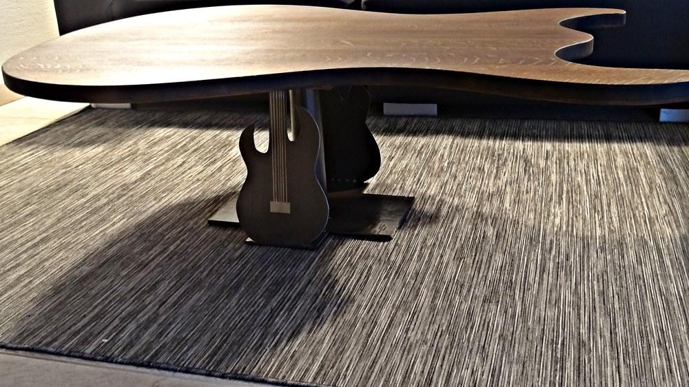 Tischplatte behandelt und neuer Sockel