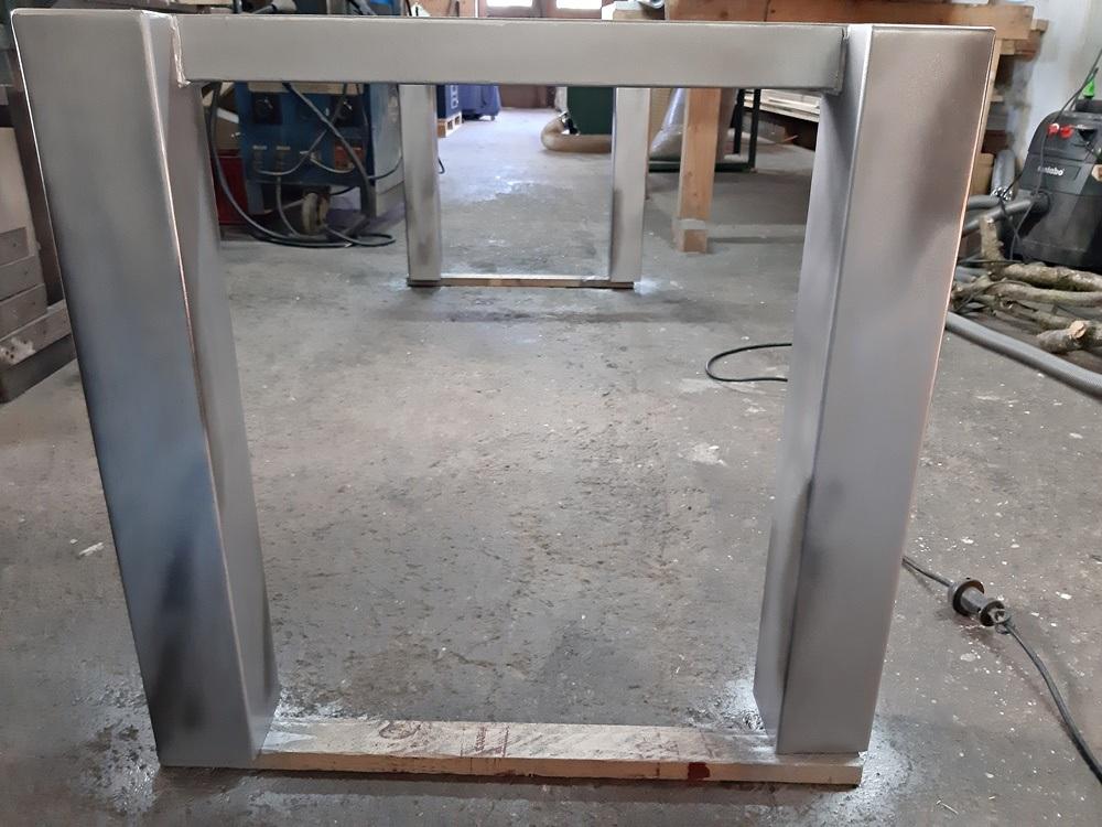 Stahlrahmen fertig lackiert